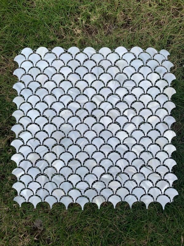 品名:扇形纯白网底缝拼